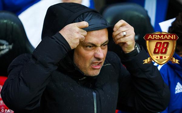 jose mourinho dengan gebrakan mourinho