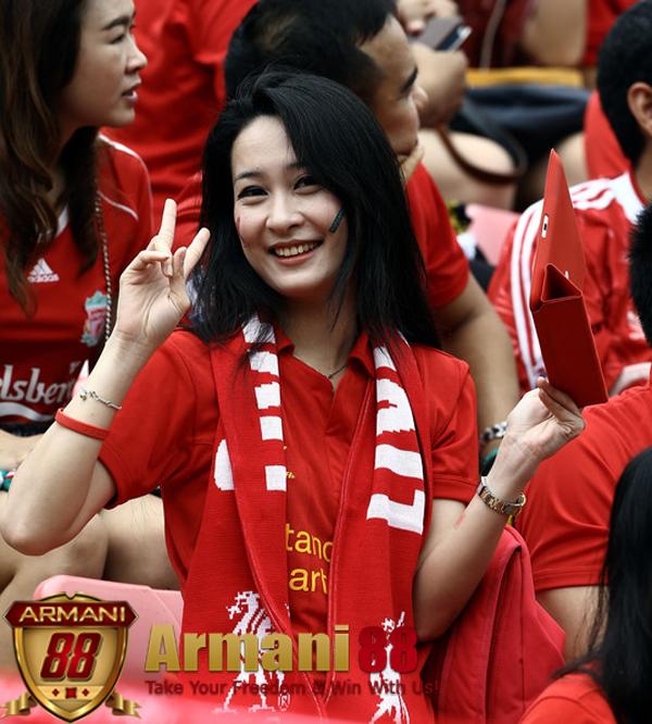 Liverpool suporter girl cewe