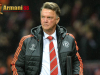 Louis Van Gaal : MU Harus Dapat Dua Penalti