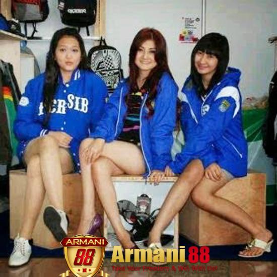 Persib Bandung ditinggalkan Pemain lady vikers