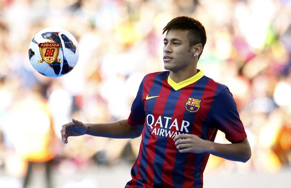 Neymar menggantikan sementara kepemimpinan messi