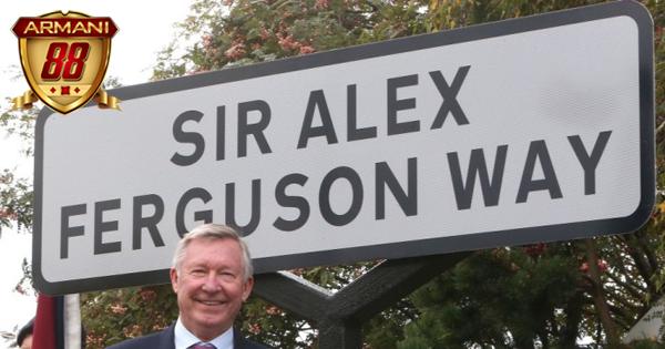 sir alex ferguson diabadikan sebagai nama jalan di Inggris